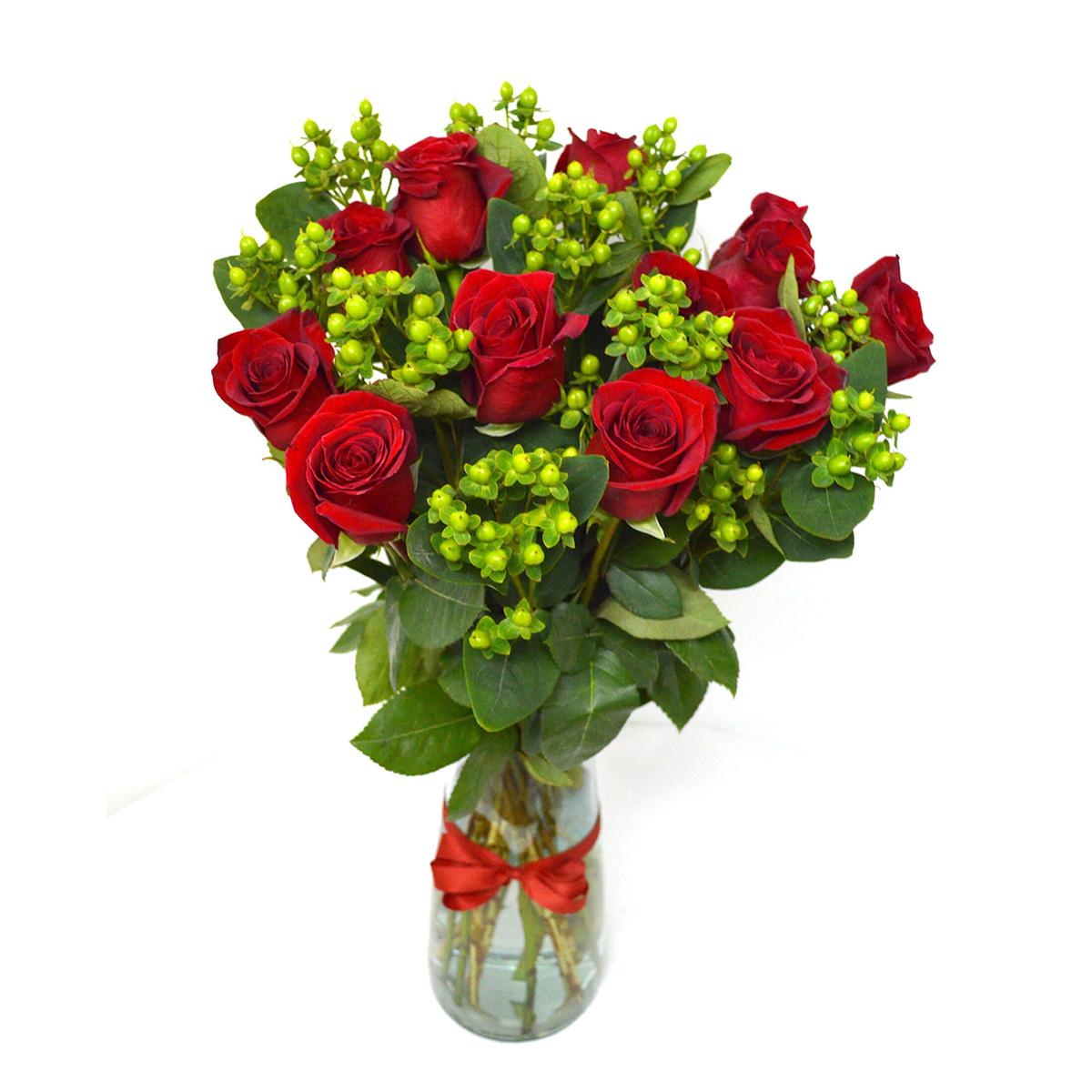 Florero con 12 Rosas mas Hypericum Verde
