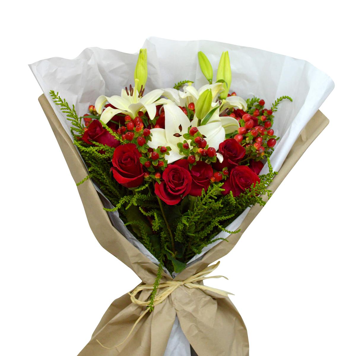 Ramo de flores Mixto con Rosas, Lilium e Hypericum Rojo