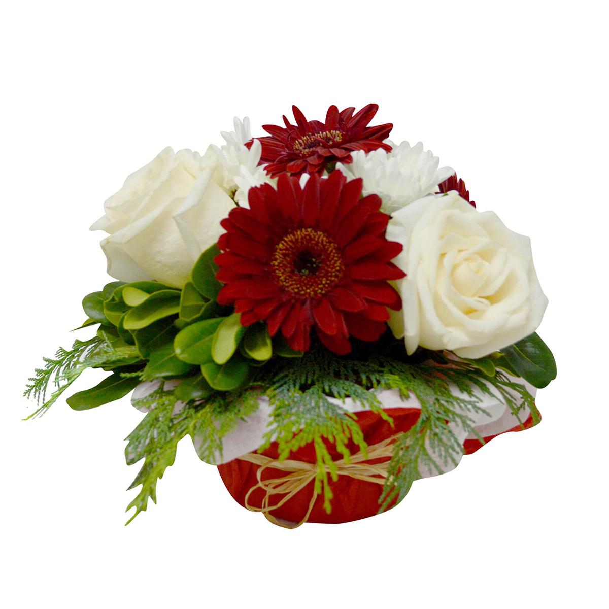 Centros de Mesa con Mini Gerberas Rojas y Rosas Blancas