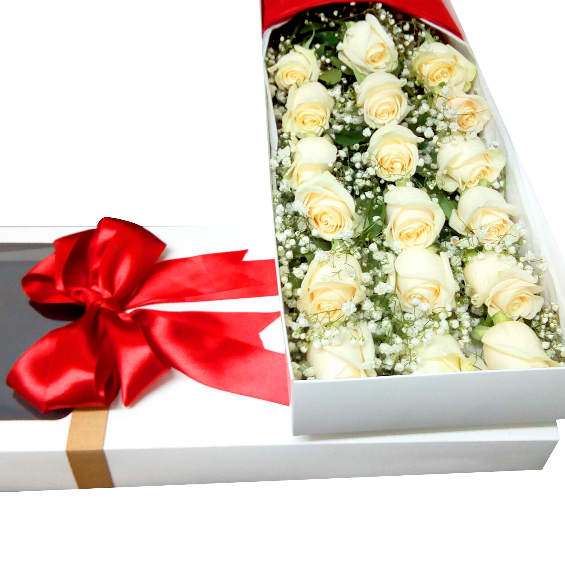 Caja de 18 Rosas de color Blanca mas Gypsophilia