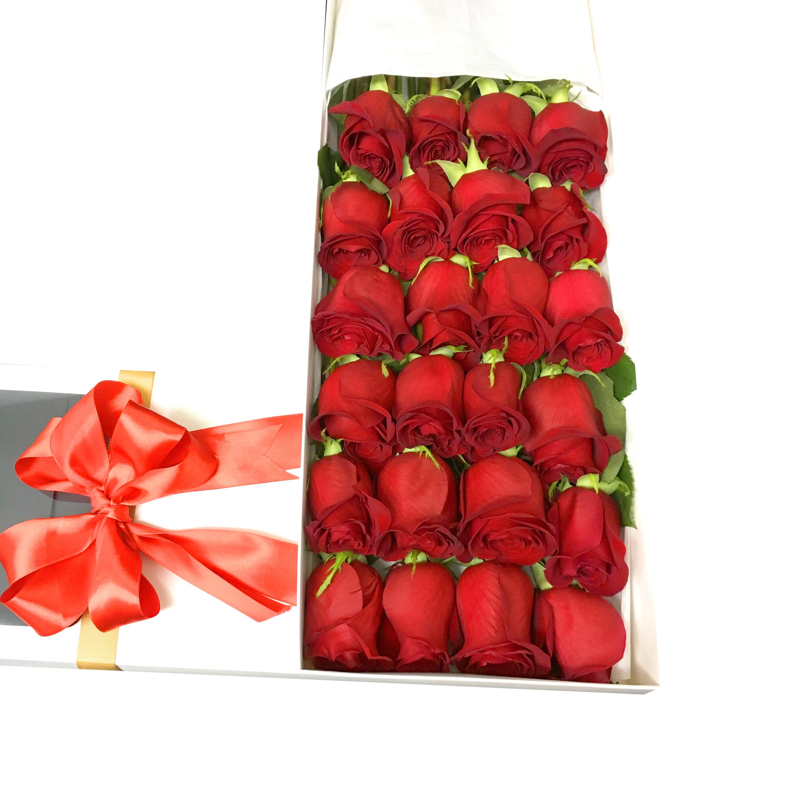 Caja de 24 bella Rosas de color Rojo