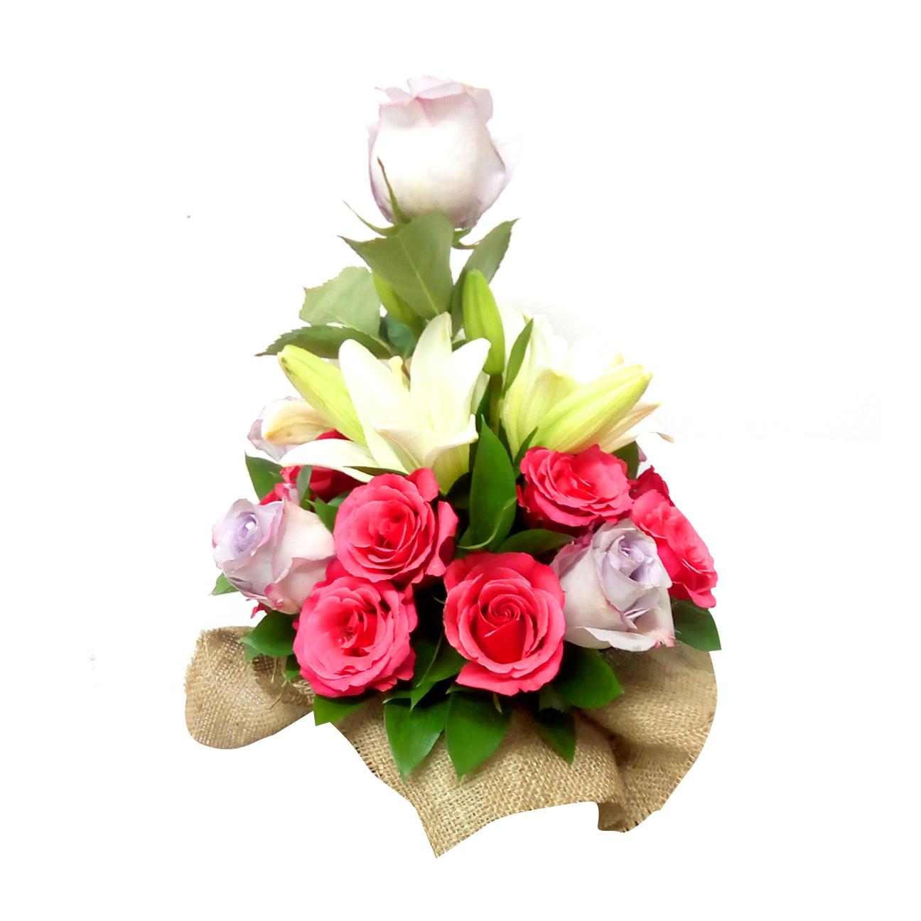 Canastillos con Rosas, Lilium mas Ruscus