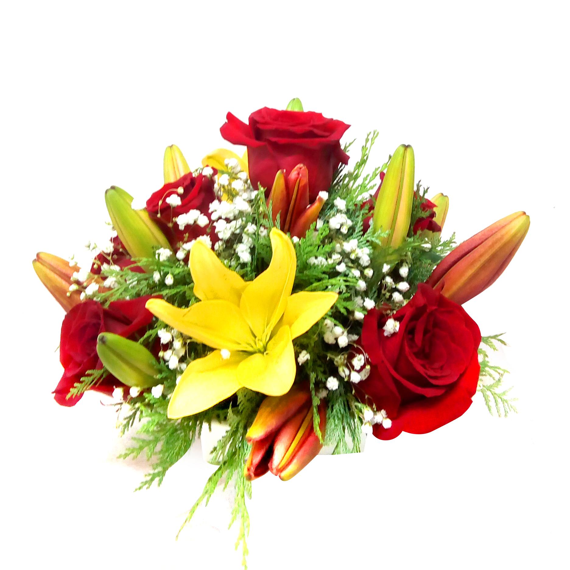 Canastillos con Rosas, Lilium mas Gypsophilia