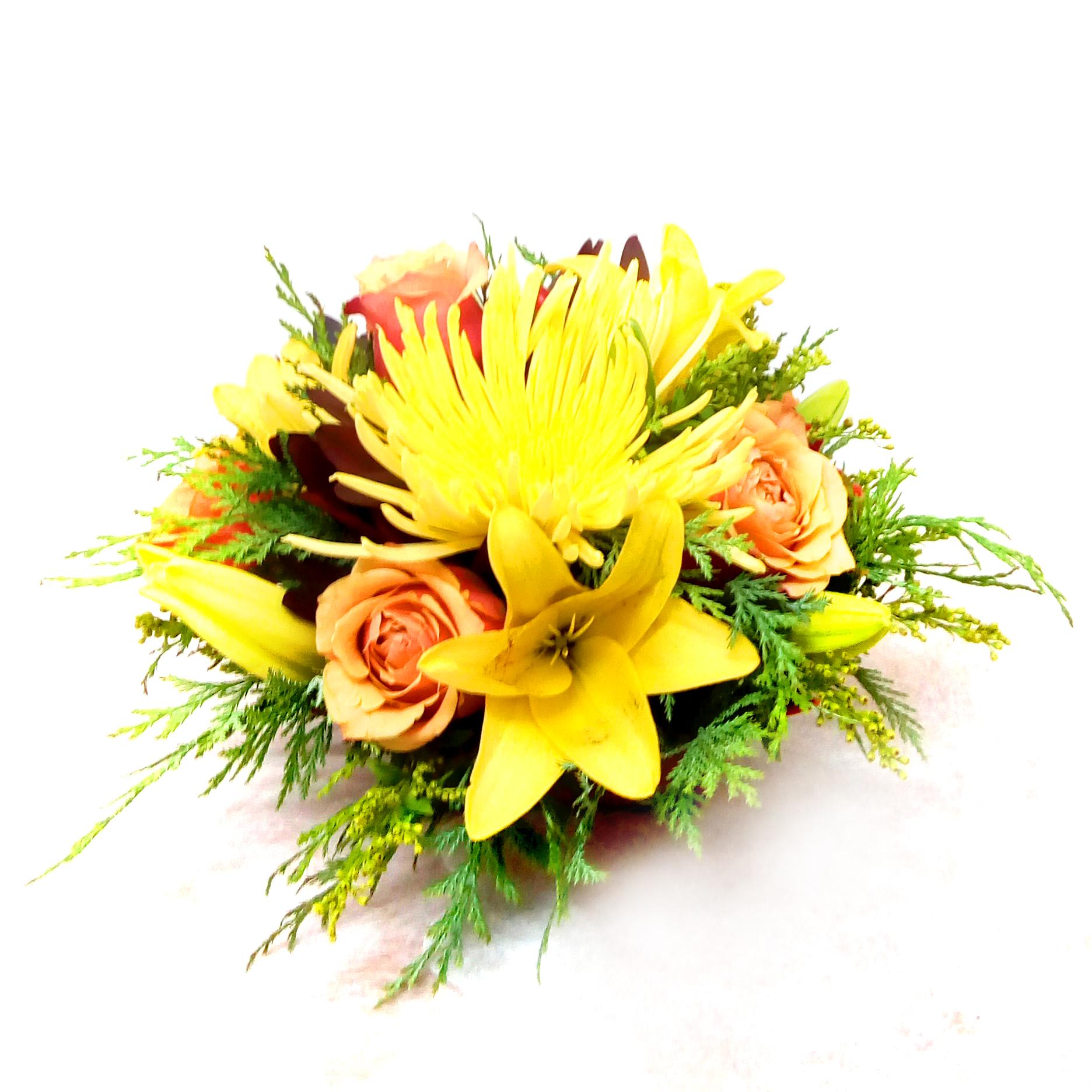 Centros de Mesa con Rosas, Lilium, Spider y Proteas