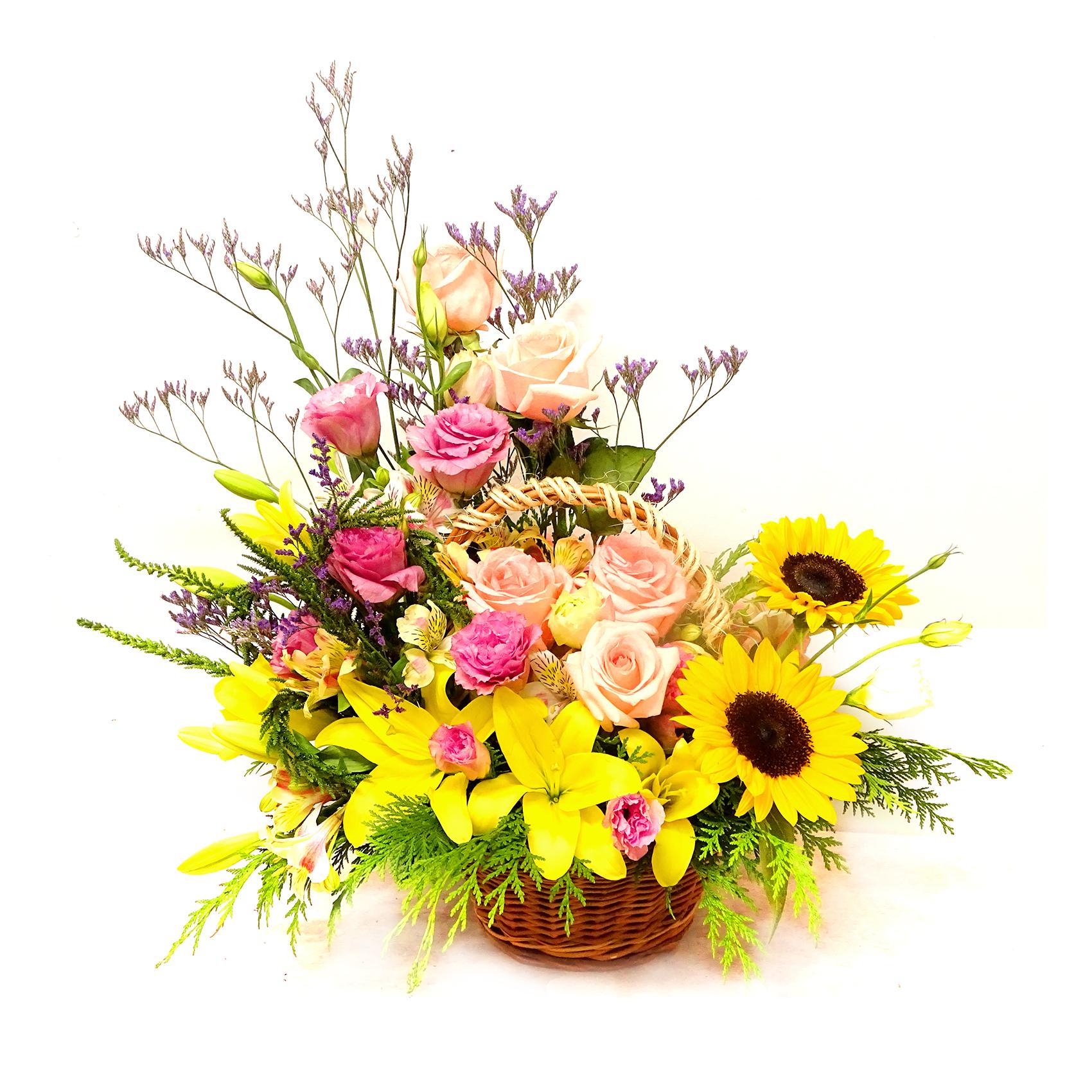 Canastillos con Girasoles, Lilium, Rosas, Lisianthus y Alstromerias