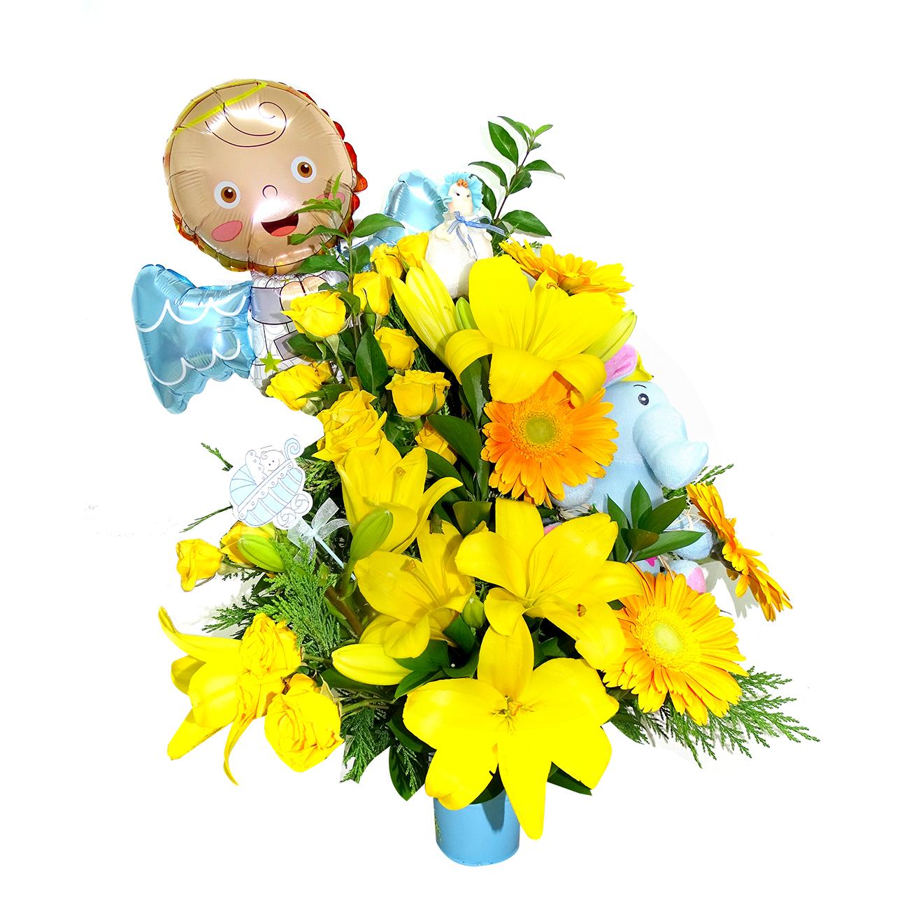 Canasto de niño con Mini Rosas, Gerberas y Lilium