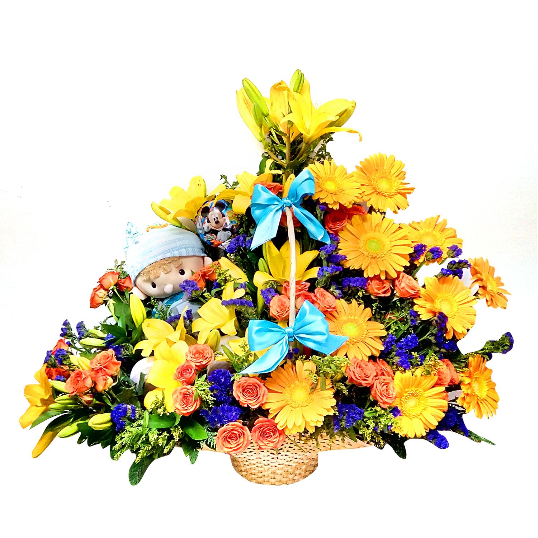 Canasto de Niño con Gerberas, Rosas y Lilium